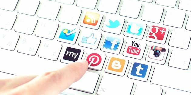 Google, Facebook ve Twitter Sosyal Ağlarının Hisseleri