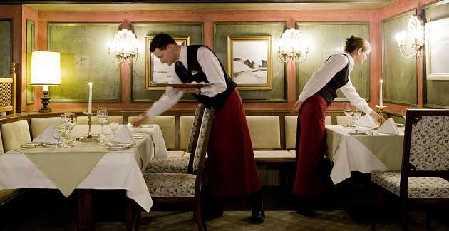 Garsonluk Yapmak