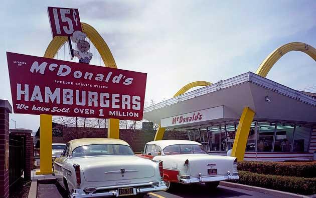 Rac Kroc İlk McDonald's Restoranının Replikası