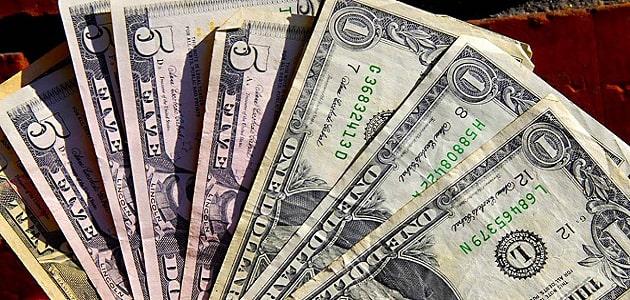 Enflasyon Sonrası Düşüşe Geçen Dolar Kuru 5,74'e Kadar Geriledi