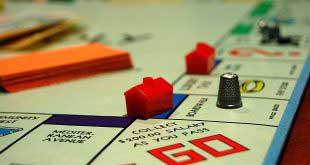 Kağıt Üzerinde Oynanılan Yatırım Oyunları: Borsa Milyoneri ve Monopoly